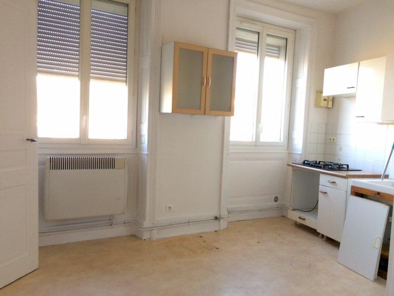 APPARTEMENT T2 A LOUER - RIVE DE GIER - 28,48 m2 - 325 € charges comprises par mois