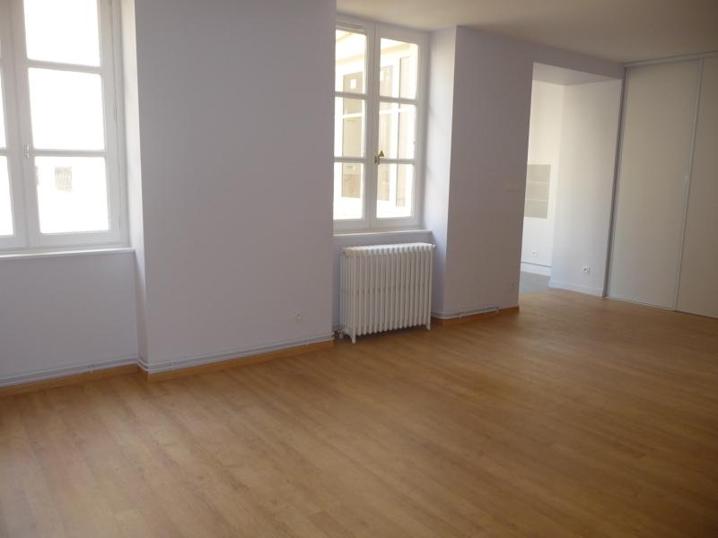 APPARTEMENT T2 A LOUER - ST ETIENNE PREFECTURE-JACQUARD - 59 m2 - 434 € charges comprises par mois