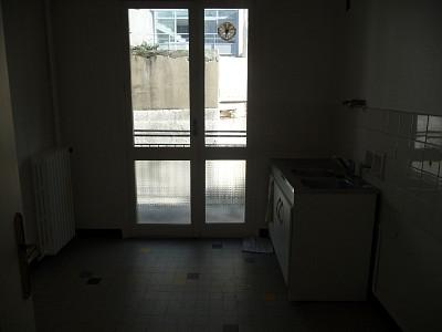 APPARTEMENT T2 A LOUER - ST ETIENNE HYPER CENTRE - 60 m2 - 500 € charges comprises par mois