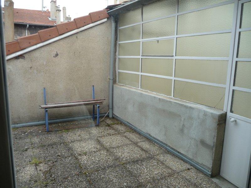 APPARTEMENT T2 A LOUER - ST ETIENNE SAINT ROCH - 58 m2 - 410 € charges comprises par mois