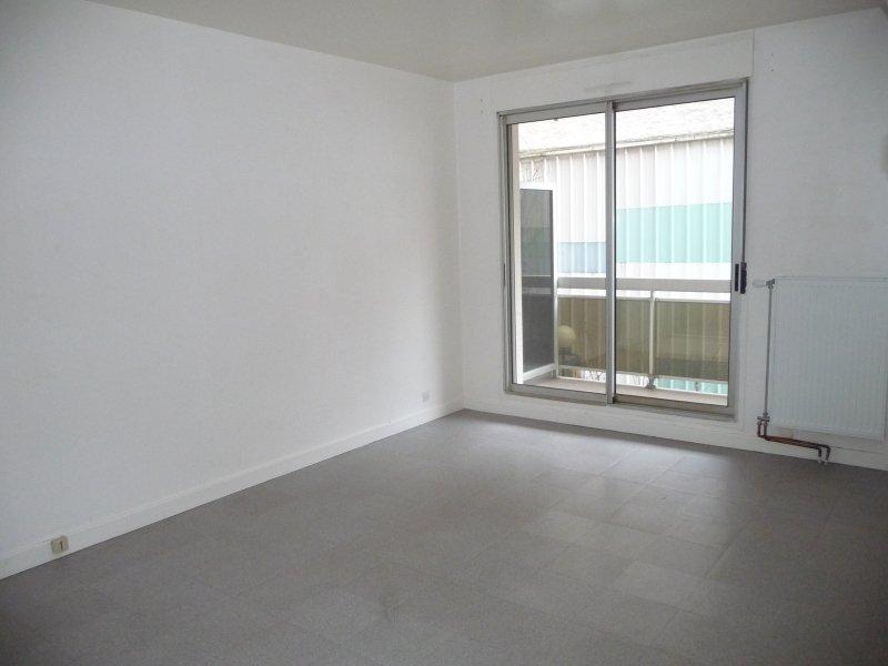 APPARTEMENT T2 A LOUER - ST ETIENNE PREFECTURE-JACQUARD - 45 m2 - 450 € charges comprises par mois