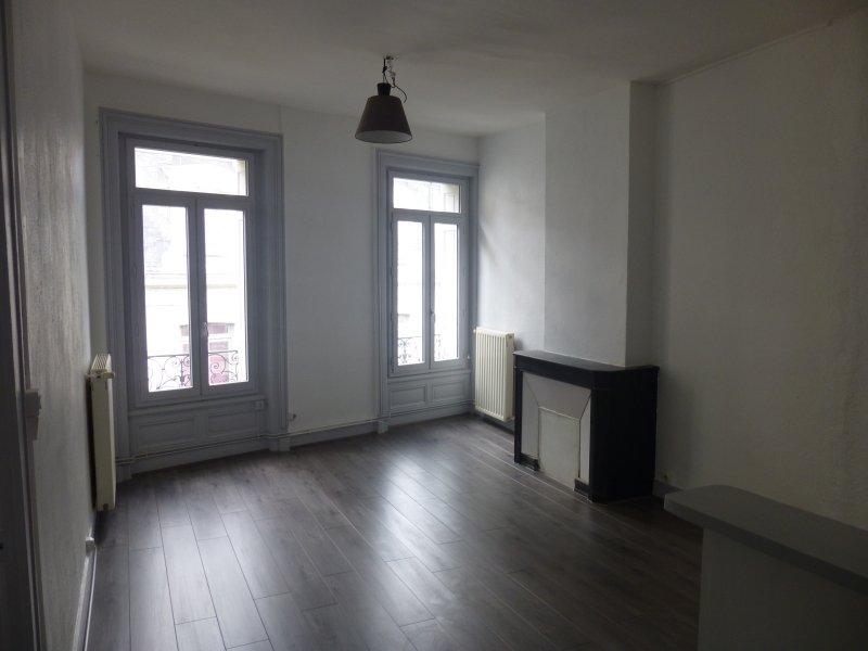 APPARTEMENT T2 A LOUER - ST ETIENNE HYPER CENTRE - 53 m2 - 445 € charges comprises par mois