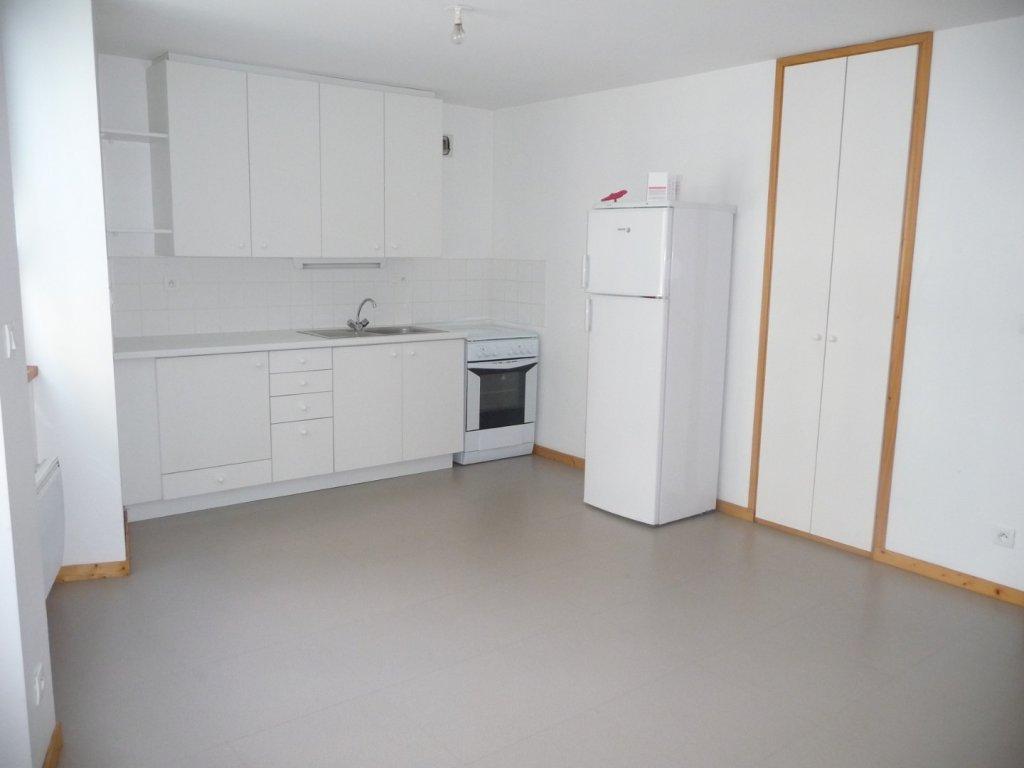 APPARTEMENT T2 A LOUER - ST ETIENNE HYPER CENTRE - 46 m2 - 388 € charges comprises par mois