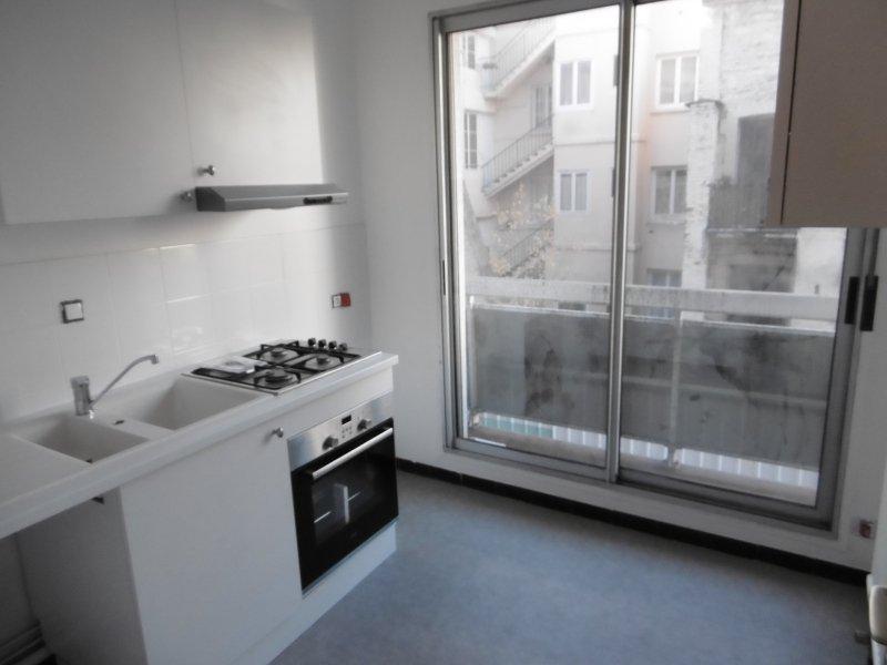 APPARTEMENT T2 A LOUER - ST ETIENNE PREFECTURE-JACQUARD - 45 m2 - 460 € charges comprises par mois