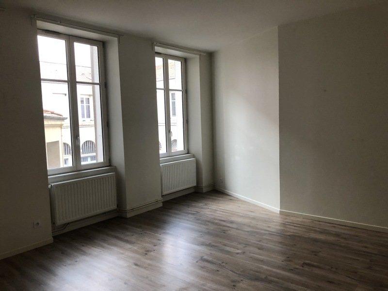 APPARTEMENT T2 A LOUER - ST ETIENNE HYPER CENTRE - 63 m2 - 500 € charges comprises par mois