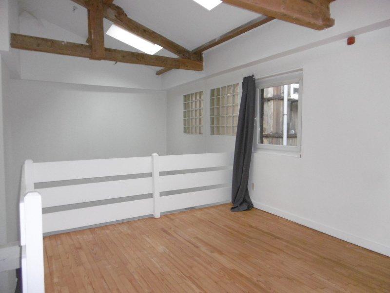 APPARTEMENT T2 A LOUER - ST ETIENNE HYPER CENTRE - 60 m2 - 418 € charges comprises par mois