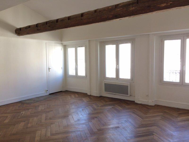 APPARTEMENT T3 A LOUER - ST ETIENNE HYPER CENTRE - 60 m2 - 415 € charges comprises par mois