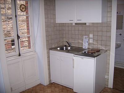 STUDIO A LOUER - ST ETIENNE VILLEBOEUF-RICHELANDIERE - 17 m2 - 250 € charges comprises par mois