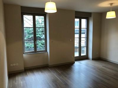 APPARTEMENT T2 A LOUER - ST ETIENNE TARDY-COLLINE DES PERES - 51 m2 - 437,14 € charges comprises par mois
