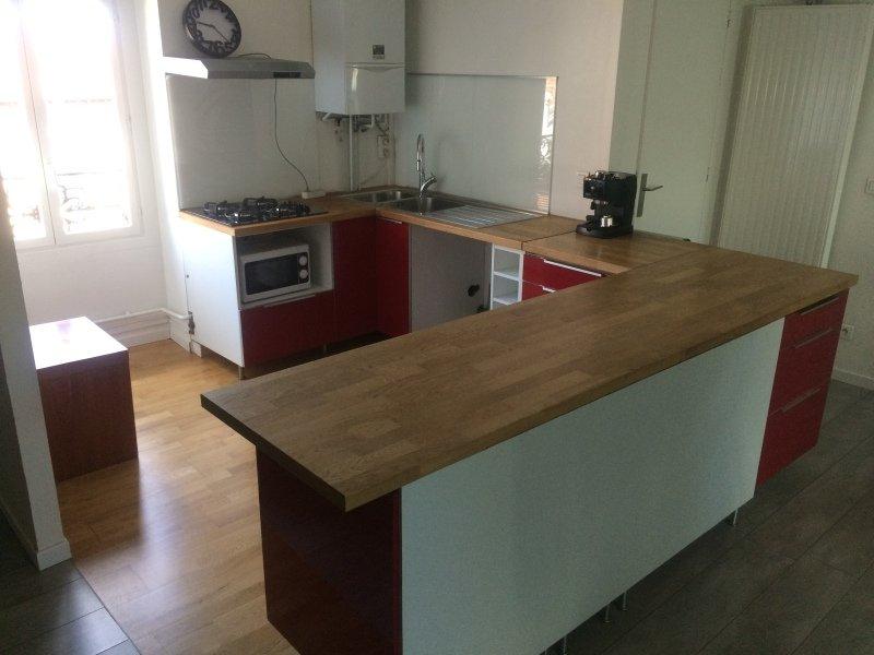 APPARTEMENT T2 A LOUER - ST ETIENNE BADOUILLERE-CHAVANELLE - 50 m2 - 415 € charges comprises par mois