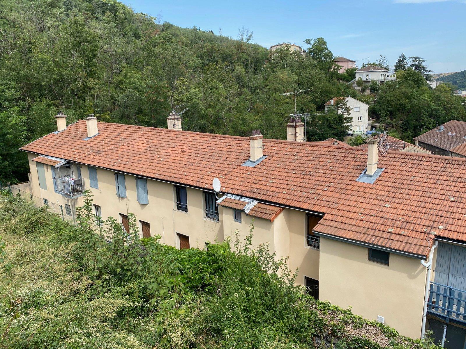 APPARTEMENT T2 A VENDRE - RIVE DE GIER - 59,62 m2 - 55000 €
