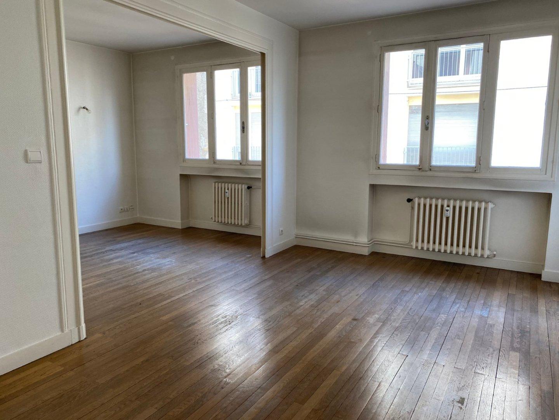 APPARTEMENT T2 A VENDRE - ST ETIENNE HYPER CENTRE - 60 m2 - 49000 €