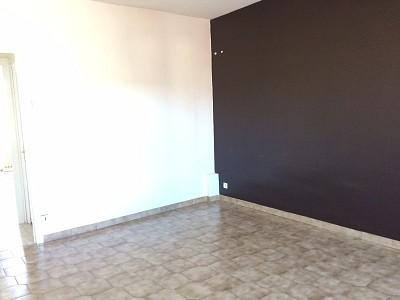 APPARTEMENT T3 A LOUER - L HORME - 80 m2 - 470 € charges comprises par mois