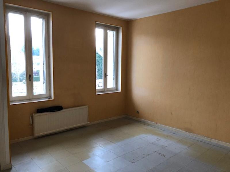 APPARTEMENT T3 A LOUER - LE CHAMBON FEUGEROLLES - 53 m2 - 311,33 € charges comprises par mois