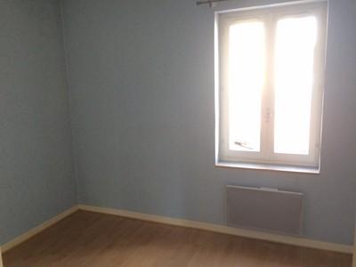 APPARTEMENT T3 A LOUER - LE CHAMBON FEUGEROLLES - 66 m2 - 395 € charges comprises par mois