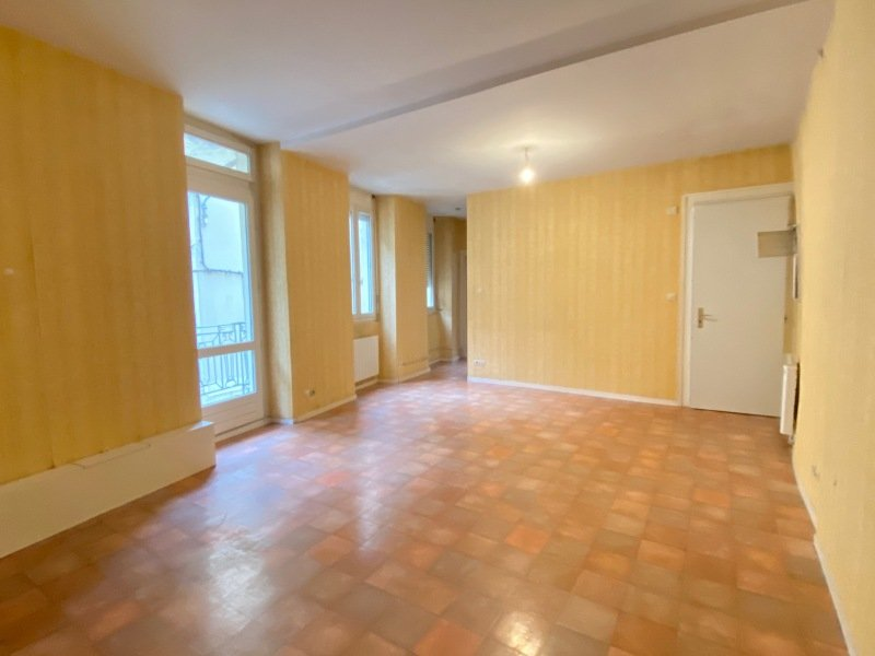 APPARTEMENT T3 A LOUER - RIVE DE GIER - 59 m2 - 410 € charges comprises par mois