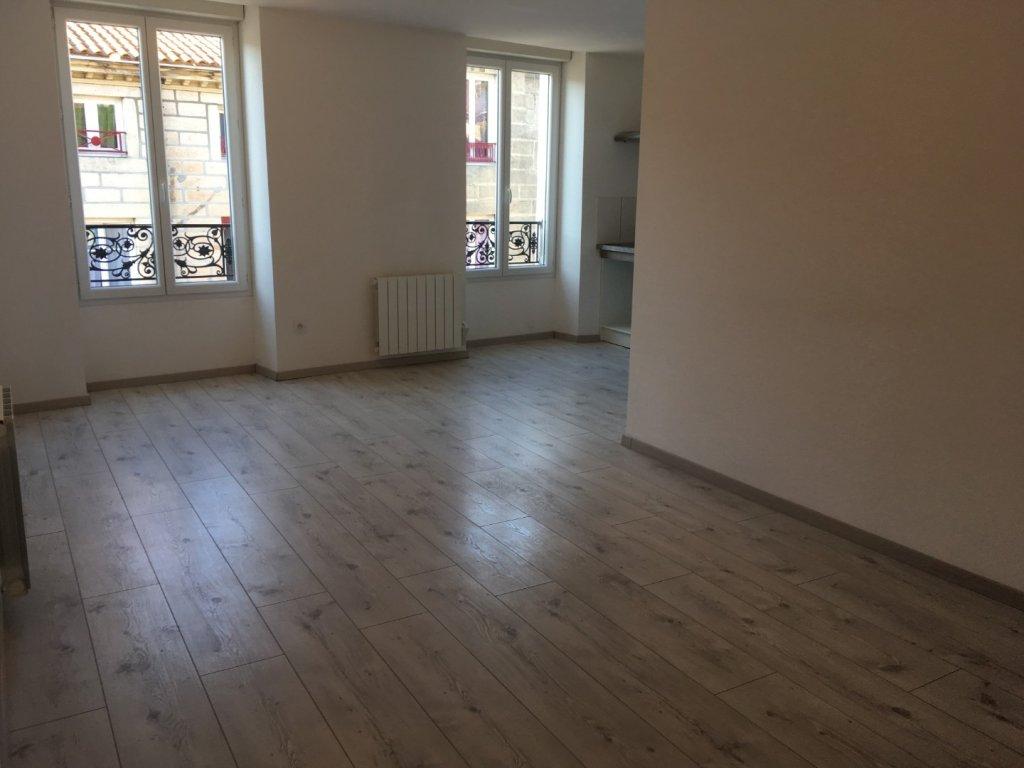 APPARTEMENT T3 A LOUER - RIVE DE GIER - 67,26 m2 - 560 € charges comprises par mois
