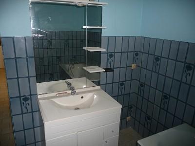 APPARTEMENT T2 A LOUER - ROCHE LA MOLIERE - 62 m2 - 500 € charges comprises par mois