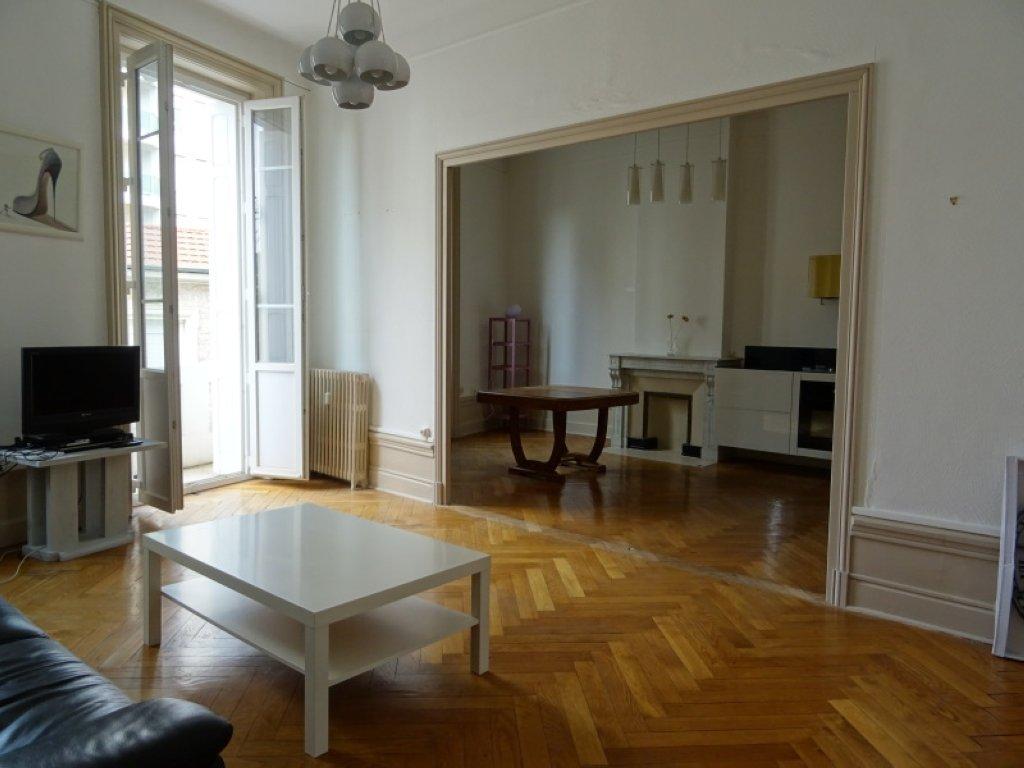 APPARTEMENT T3 A LOUER - ST ETIENNE BADOUILLERE-CHAVANELLE - 100 m2 - 770 € charges comprises par mois