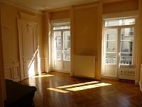 APPARTEMENT T2 A LOUER - ST ETIENNE HYPER CENTRE - 70 m2 - 480 € charges comprises par mois