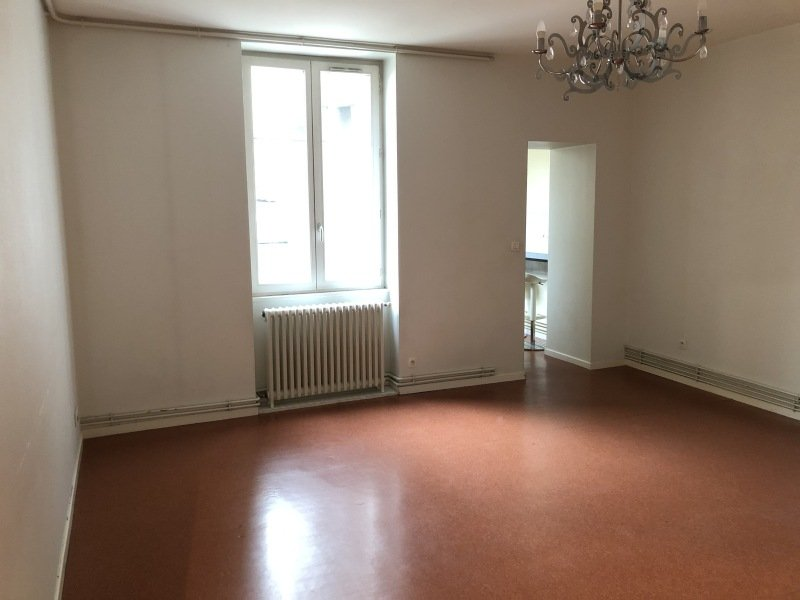 APPARTEMENT T3 A LOUER - ST ETIENNE HYPER CENTRE - 77,6 m2 - 560 € charges comprises par mois