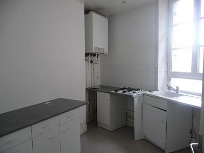 APPARTEMENT T3 A LOUER - ST ETIENNE CENTRE - 70 m2 - 480 € charges comprises par mois