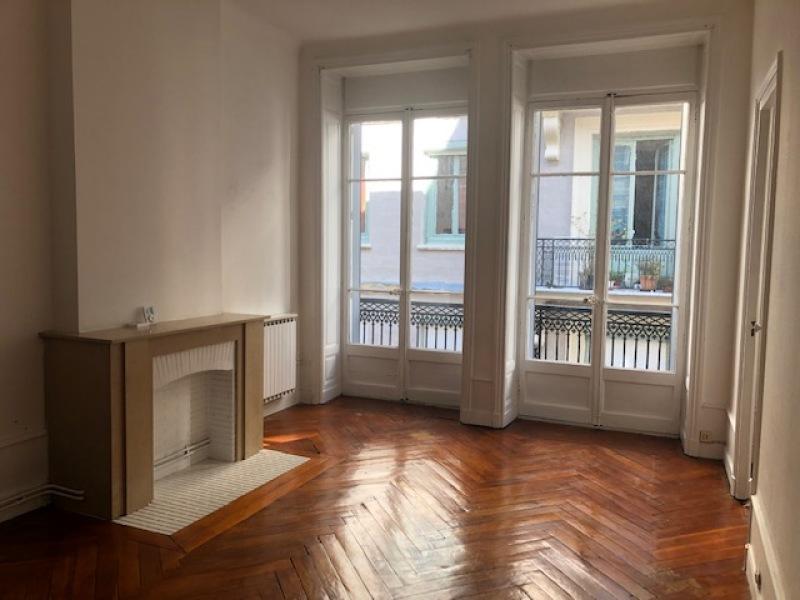 APPARTEMENT T3 A LOUER - ST ETIENNE HYPER CENTRE - 110 m2 - 490 € charges comprises par mois