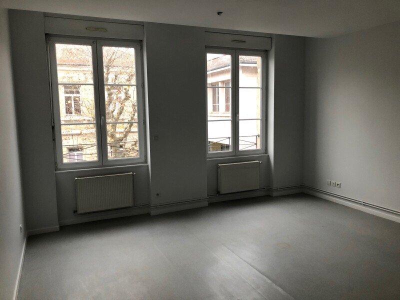 APPARTEMENT T3 A LOUER - ST ETIENNE VALBENOITEPORTAIL ROUGE METARE - 73 m2 - 550 € charges comprises par mois