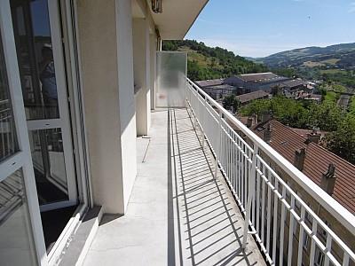 APPARTEMENT T3 A LOUER - ST ETIENNE TERRENOIRE - 80 m2 - 700 € charges comprises par mois