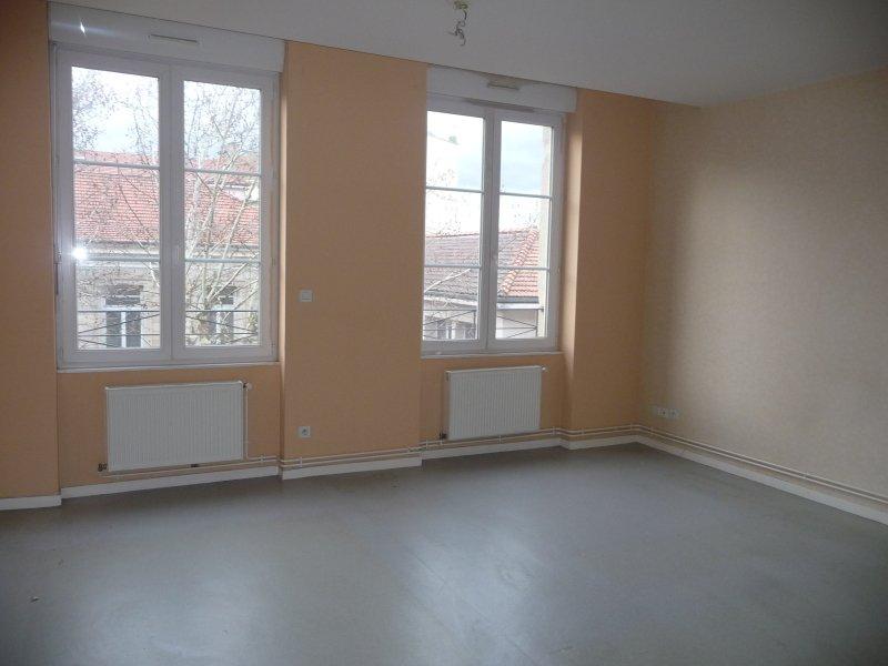 APPARTEMENT T3 A LOUER - ST ETIENNE VALBENOITEPORTAIL ROUGE METARE - 78 m2 - 515 € charges comprises par mois
