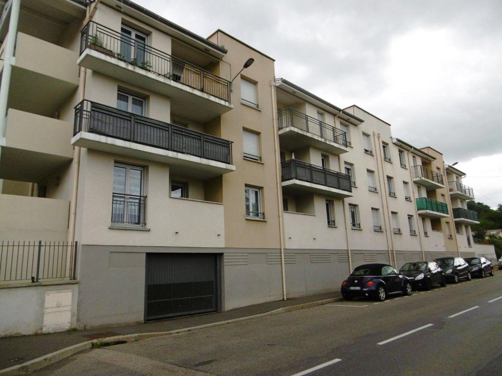 Appartement t3 a louer st etienne nord 60 36 m2 483 for Location appartement atypique saint etienne
