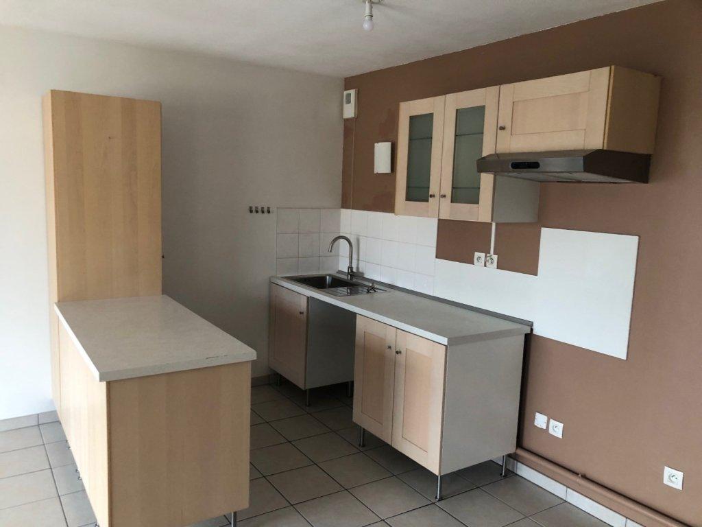 APPARTEMENT T3 A LOUER - ST ETIENNE PREFECTURE-JACQUARD - 58 m2 - 550 € charges comprises par mois
