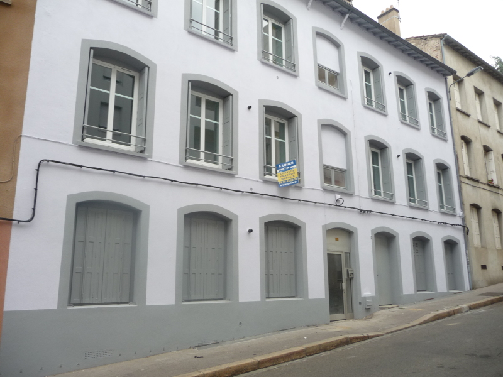 APPARTEMENT T3 A LOUER - ST ETIENNE BELLEVUE-JOMAYERE-SOLAURE - 82,45 m2 - 531,34 € charges comprises par mois