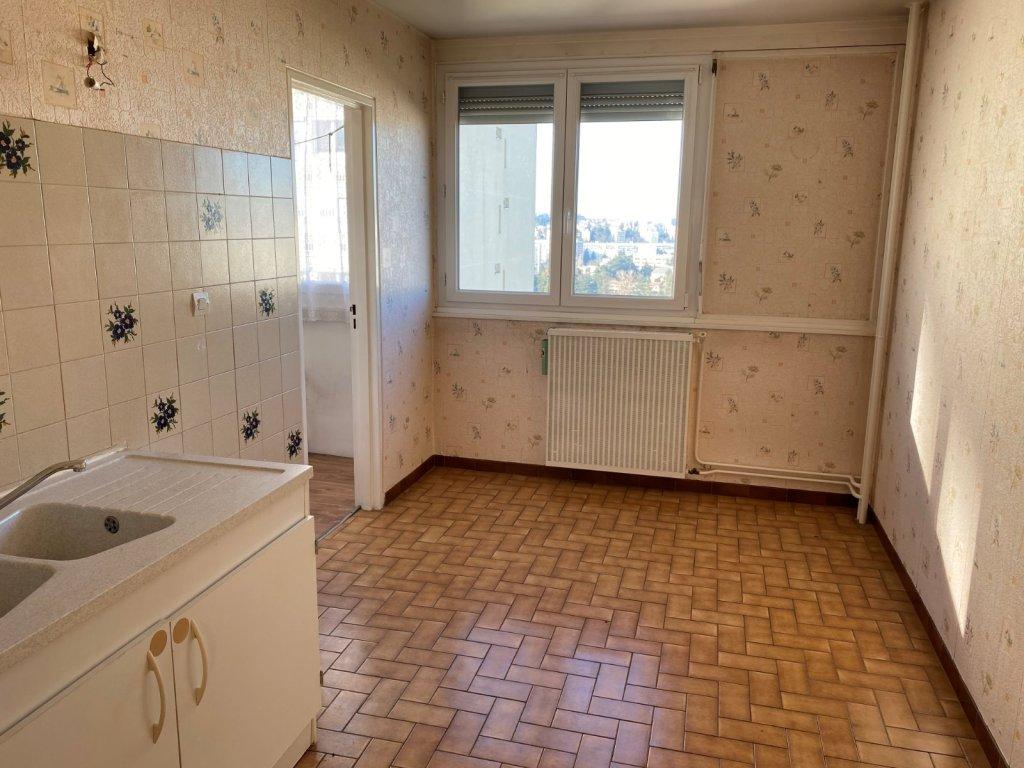 APPARTEMENT T3 A VENDRE - ST ETIENNE METARE - 71 m2 - 49000 €