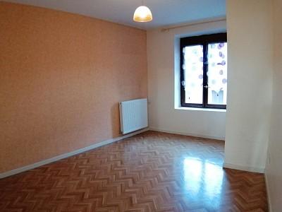 APPARTEMENT T4 A LOUER - RIVE DE GIER - 100 m2 - 630 € charges comprises par mois