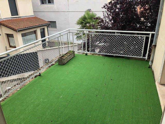 APPARTEMENT T4 A LOUER - ST ETIENNE CENTRE - 100 m2 - 670 € charges comprises par mois