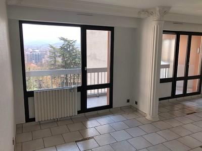 APPARTEMENT T4 A LOUER - ST ETIENNE BEL AIR-MONTAUD-COTE CHAUDE - 84 m2 - 700 € charges comprises par mois