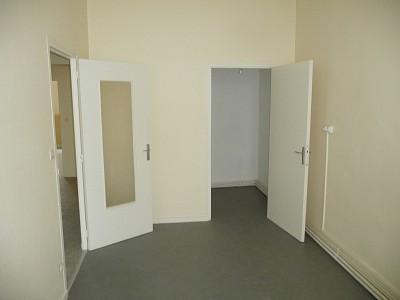 APPARTEMENT T3 A LOUER - ST ETIENNE BELLEVUE-JOMAYERE-SOLAURE - 78,4 m2 - 470 € charges comprises par mois