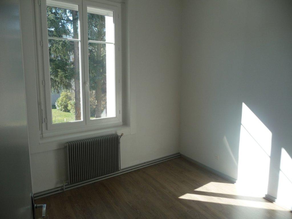 APPARTEMENT T3 A LOUER - ST ETIENNE BELLEVUE-JOMAYERE-SOLAURE - 74,9 m2 - 478,52 € charges comprises par mois