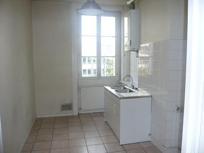 APPARTEMENT T4 A LOUER - ST ETIENNE BIZILLON - 87 m2 - 662 € charges comprises par mois