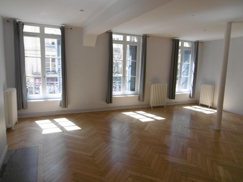 APPARTEMENT T4 A LOUER - ST ETIENNE PREFECTURE-JACQUARD - 115 m2 - 718 € charges comprises par mois