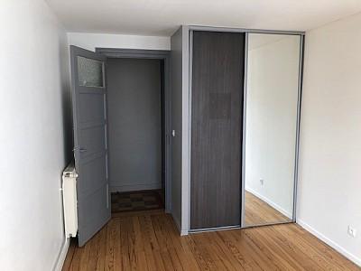 APPARTEMENT T5 A LOUER - ST ETIENNE TERRASSE-BERGSON - 90 m2 - 710 € charges comprises par mois