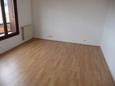 APPARTEMENT T5 A LOUER - ST ETIENNE BIZILLON - 160 m2 - 865 € charges comprises par mois