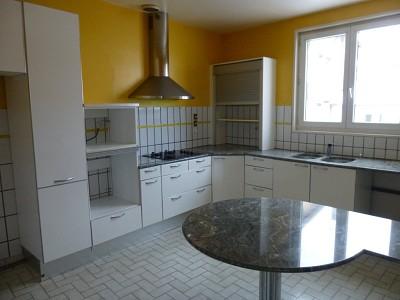 APPARTEMENT T5 A VENDRE - LE CHAMBON FEUGEROLLES CENTRE - 173 m2 - 99000 €