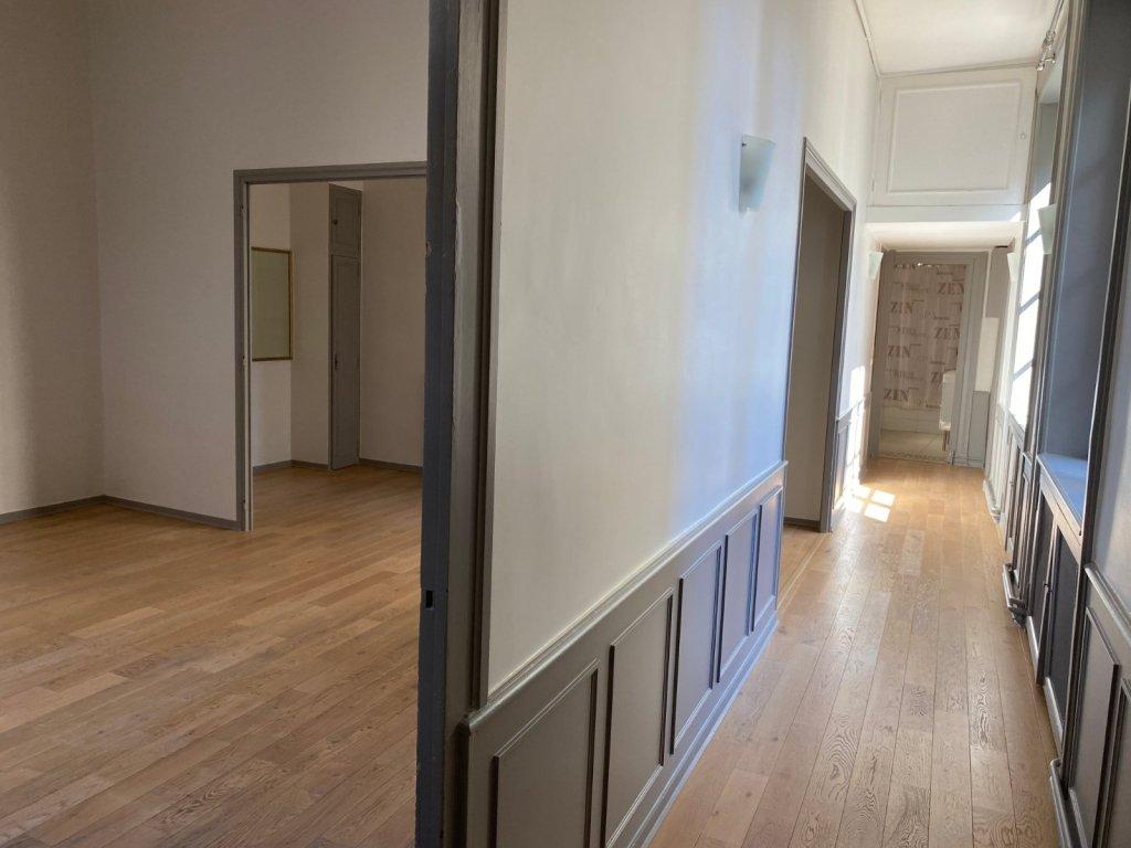APPARTEMENT T5 A VENDRE - ST ETIENNE CENTRE - 125 m2 - 208000 €