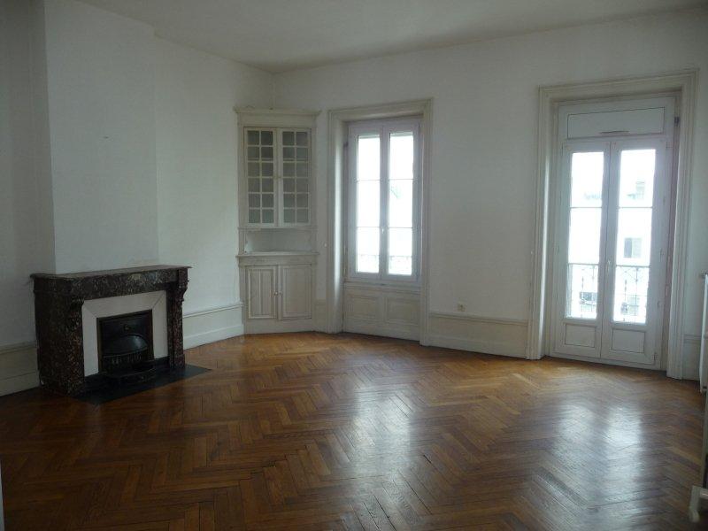 APPARTEMENT T6 A LOUER - ST ETIENNE PREFECTURE-JACQUARD - 214 m2 - 1056 € charges comprises par mois
