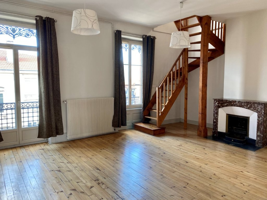 APPARTEMENT T6 A VENDRE - ST ETIENNE ST FRANCOIS - 186 m2 - 215000 €