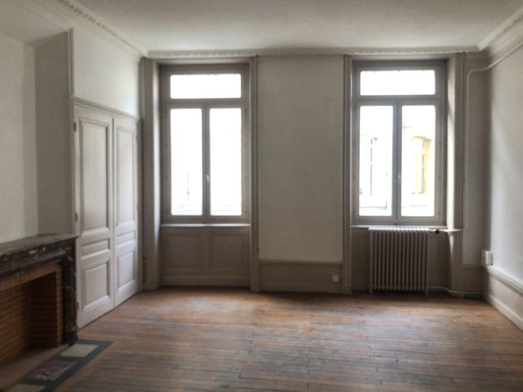 APPARTEMENT T3 A LOUER - ST ETIENNE HYPER CENTRE - 71 m2 - 495 € charges comprises par mois